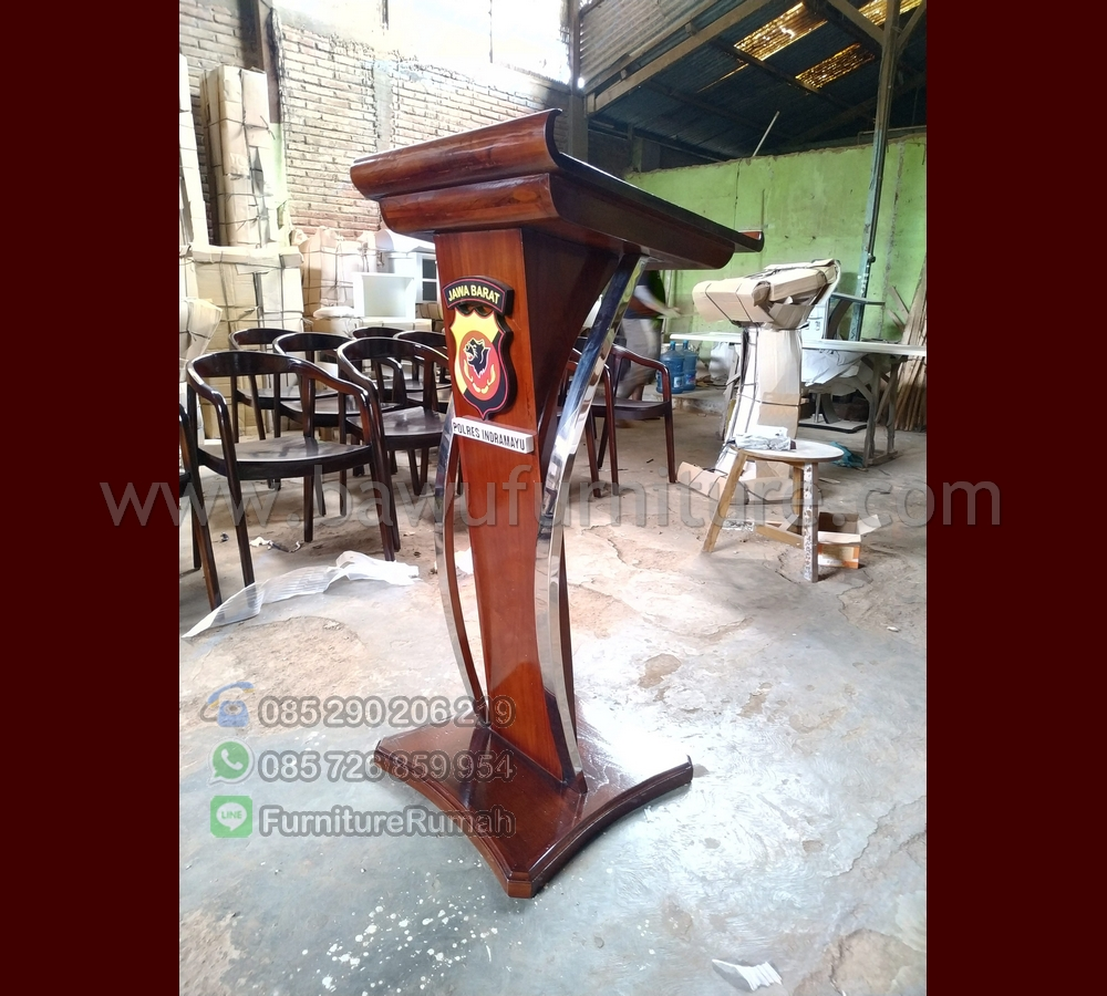 Podium Pidato Polres Indramayu Kayu Jati Solid Kombinasi Stainless