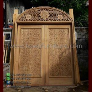 Pintu Masjid Kayu Jati
