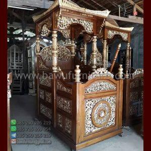 Mimbar Masjid Kubah Ukiran