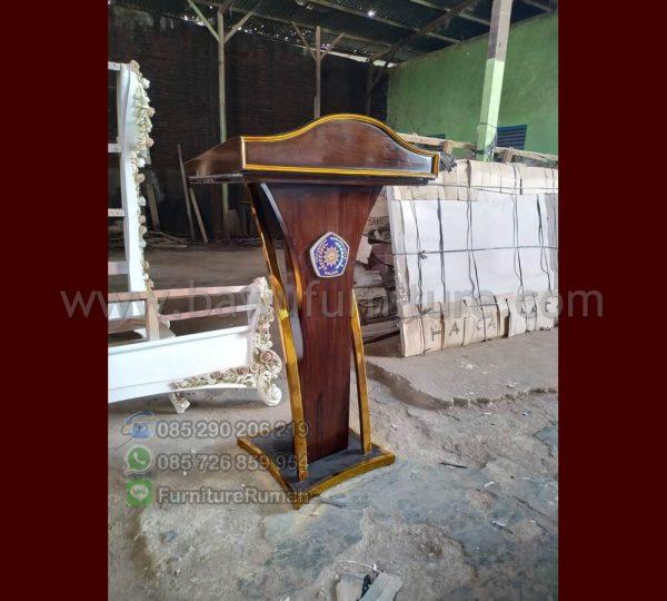 Podium Pidato Universitas Murah
