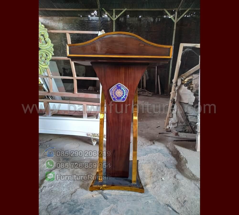 Podium Pidato Universitas