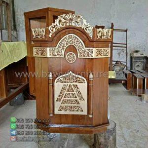 Mimbar Ceramah Masjid Madura