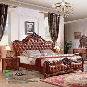 Tempat Tidur Ukiran Klasik